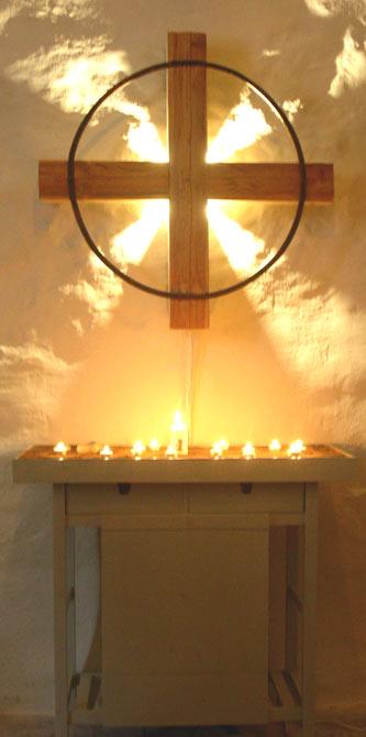 Gudomlig närvaro i uppbruten tid, utsmyckning i Gåsinge kyrka 2005